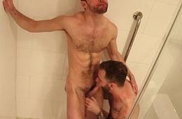 Ryan Tops Alex Raw