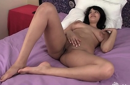 Beauty Yanks Ebony Jiselle Humps The Pillow