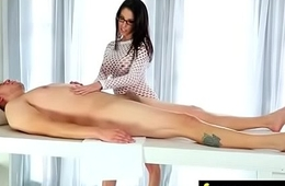 Massage Girl Sucks the Tip for a Tip 28