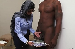 Large tits be beneficial to arab wench get exposed