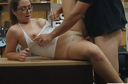 Curvy lady with glasses gets fucked good