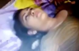 Village House-servant Sleeping Aunty Ke Saath Romance    Hindi Hot Short Movies-Film 2017