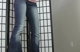 These skinny jeans make me want to play close by my pussy JOI