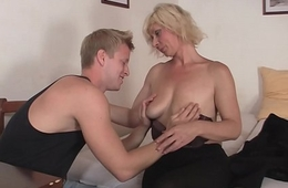 Hunky man doggy-fucks hawt blonde grandma