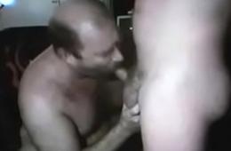 sexy bear eat and cum