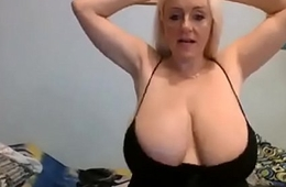 34k hot blonde great cleavage significant udders