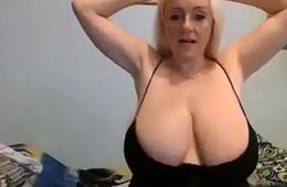 34k hot blonde great cleavage huge udders