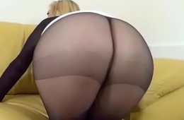 Jerf off to My Pantyhosed Ass