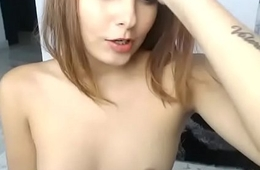 Sexy young girl pussyplug cam