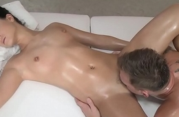 Erotic masseuse cockriding client check a investigate oral